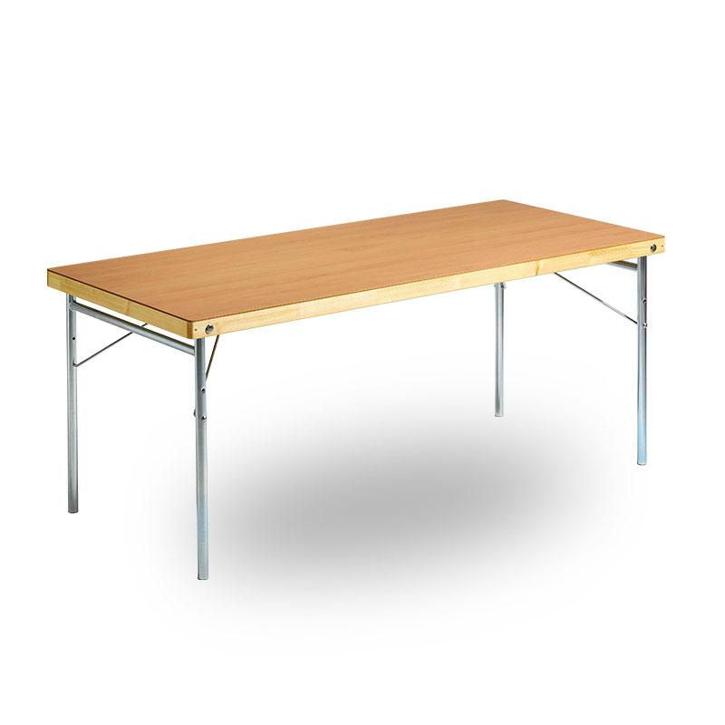 träbord med stålben