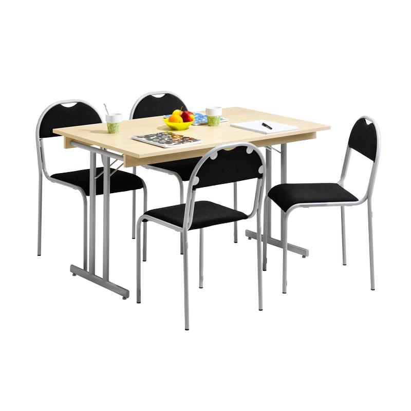 matsalsgrupp och stolar